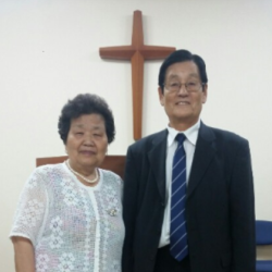 Picture of Pastor Lee